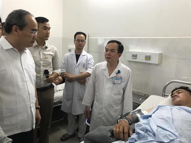 Bi thu Nguyen Thien Nhan: TP.HCM kham phuc hanh dong nghia hiep cua cac hiep si