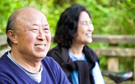 Cha mẹ già như trăng với nước