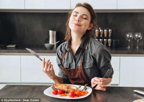 Lợi ích không ngờ khi ngừng ăn sau 3 giờ chiều