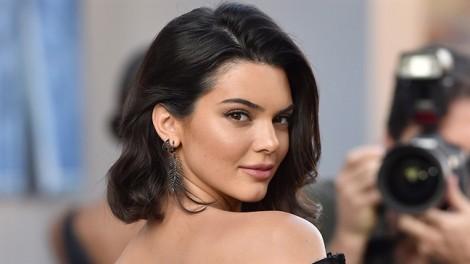 Siêu mẫu Kendall Jenner gợi ý chọn trang phục thể thao mùa hè cho nàng sành điệu