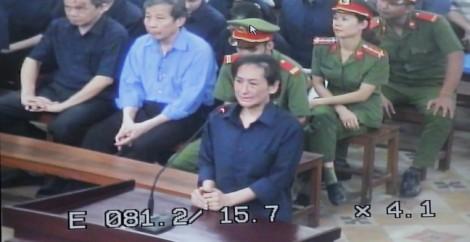 Nguyên thủ quỹ TrustBank bật khóc tại phiên xử đại gia Hứa Thị Phấn