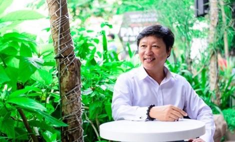 NTK Sỹ Hoàng: 'Tôi nhớ hoài mảnh gương vỡ tặng mẹ'