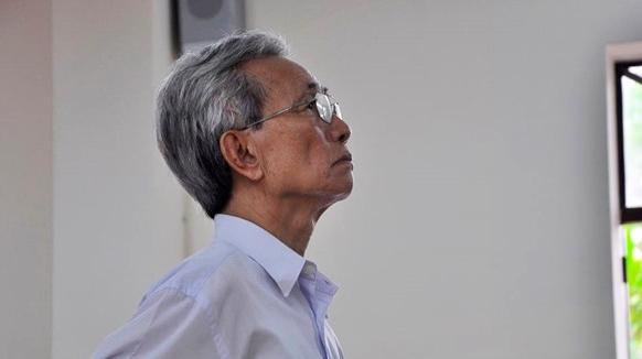 Ai co quyen xet lai ban an phuc tham vu Nguyen Khac Thuy dam o tre em?