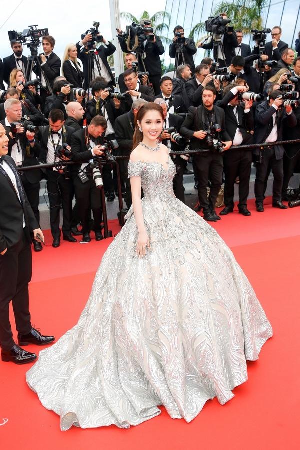 Soi bo canh giup sao Viet toa sang tai tham do LHP Cannes 2018