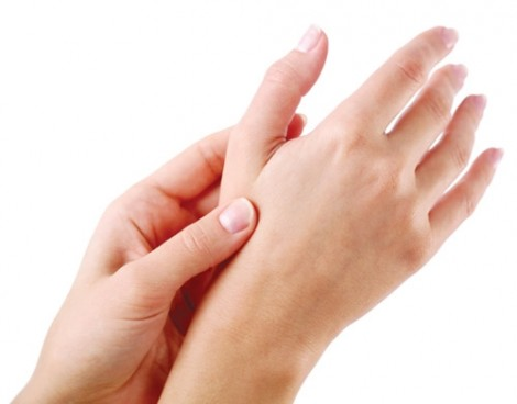 7 vấn đề sức khỏe phản ánh qua dáng bàn tay