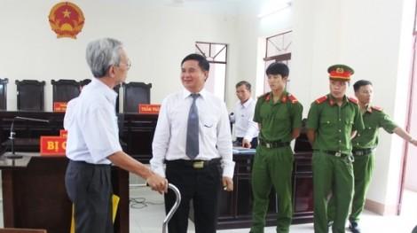 Kháng nghị hủy án đối với Nguyễn Khắc Thủy, tạm đình chỉ chủ tọa tòa phúc thẩm