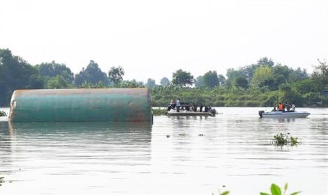 Chìm sà lan, 3 người mất tích trên sông Đồng Nai