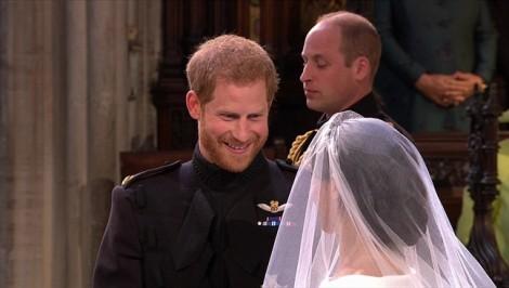Bật mí chiếc váy cưới 'lấy nước mắt' Hoàng tử Anh Harry