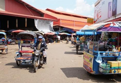 Bánh tét Việt Nam ở đất Lào, hơn 50 năm vẫn đậm vị quê nhà