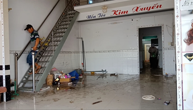 Sat lo nghiem trong sau mua lon, 34 can nha dung truoc mieng 'ha ba'