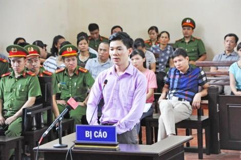 Xét xử vụ tai biến chạy thận làm 9 người chết: Bác sĩ Hoàng Công Lương  từ đầu đã là 'con tốt thí'?
