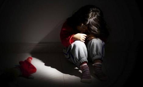 Người mẹ trong câu chuyện con gái bị cha ruột hiếp dâm: Đừng đổ lỗi cho mưu sinh!