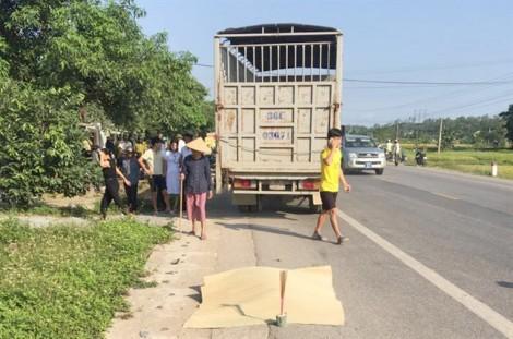 Tạm giữ tài xế xe tải chạy lấn làn tông chết thai phụ sắp sinh và chồng