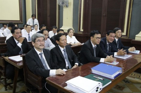 Luật sư cho rằng HĐXX đã vi phạm luật tố tụng đối với bà Hứa Thị Phấn?