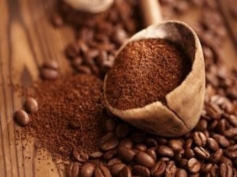 Da căng mịn, đẩy lùi lão hóa với mặt nạ bột cà phê