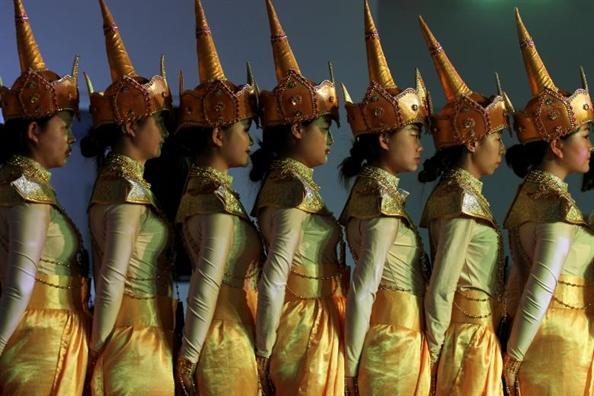 Hon le Hoang gia, hoi nghi My - Trieu noi bat nhat the gioi trung tuan thang 5
