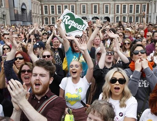 Ireland: Huy bo lenh cam pha thai, phu nu 'thang ap dao'