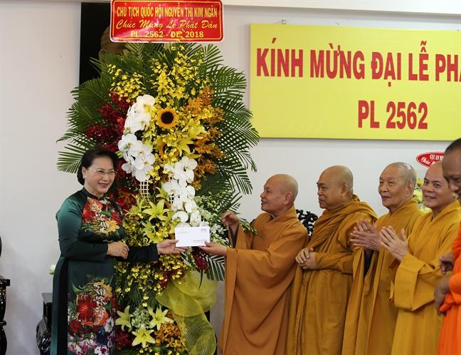 Chu tich Quoc hoi Nguyen Thi Kim Ngan tham, chuc mung Giao hoi Phat giao dip le Phat dan