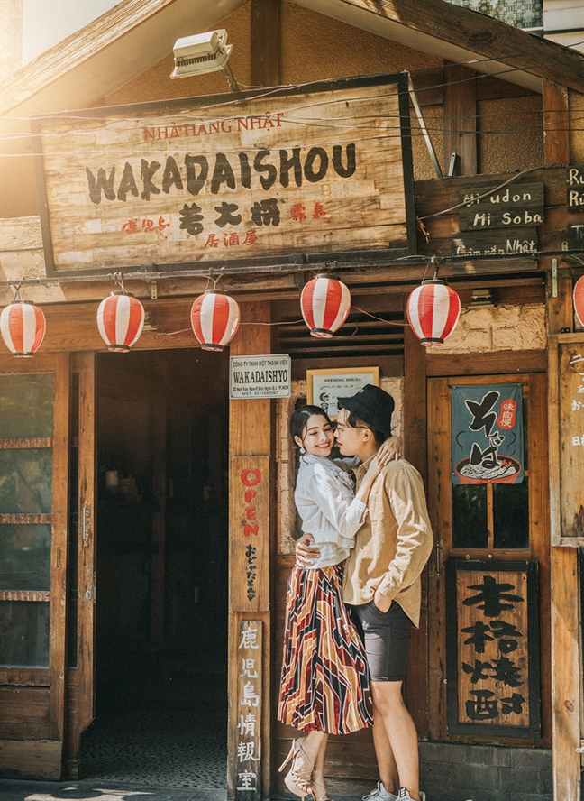 Nang tieu thu danh gia phai long chang trai ban hoa qua va duyen phan dep nhu phim