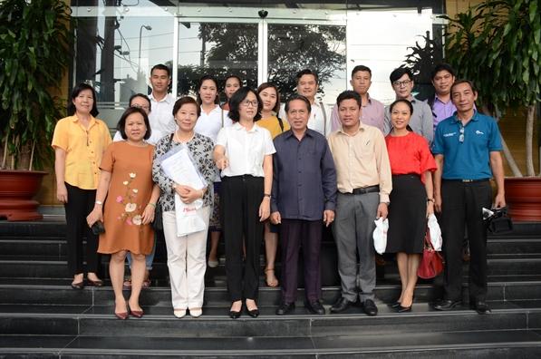 Doan nha bao Lao den tham Bao Phu Nu TP.HCM
