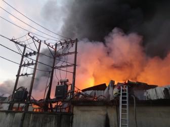 Cháy dữ dội ở hai công ty tại cụm công nghiệp Quang Trung