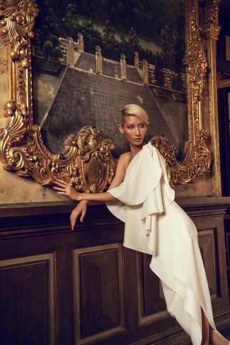 Người mẫu Hằng Nguyễn đẹp kiêu sa chỉ với 2 tông trắng đen