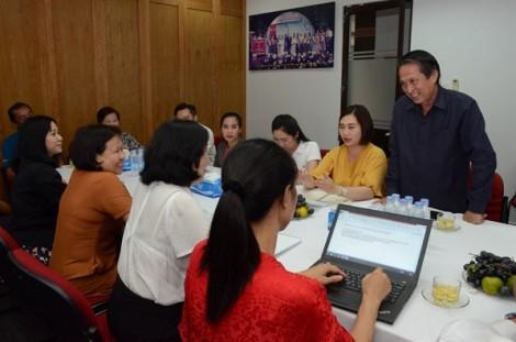 Đoàn nhà báo Lào đến thăm Báo Phụ Nữ TP.HCM