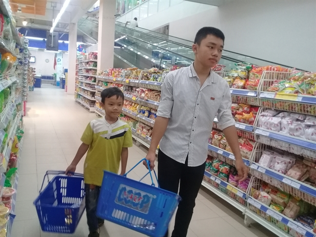 Con nit phai hoc cho thanh nguoi chu khong phai chet doi trong bep nuc!