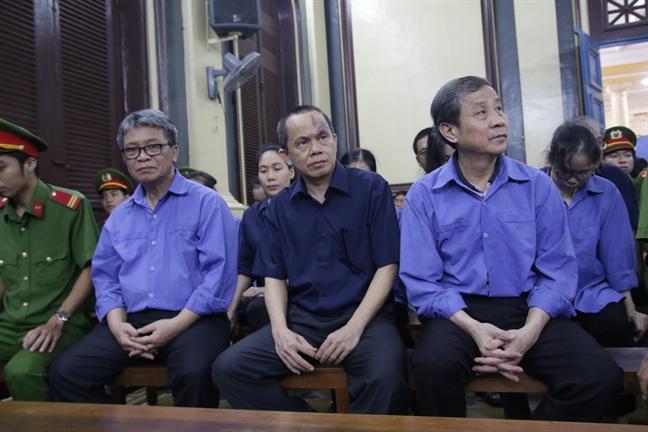 Cac bi cao trong dai an Hua Thi Phan dam nuoc mat khi noi loi sau cung