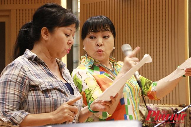 Nghe si Huong Thanh: 'Thi toi la cai bong cua chi Huong Lan ma!'