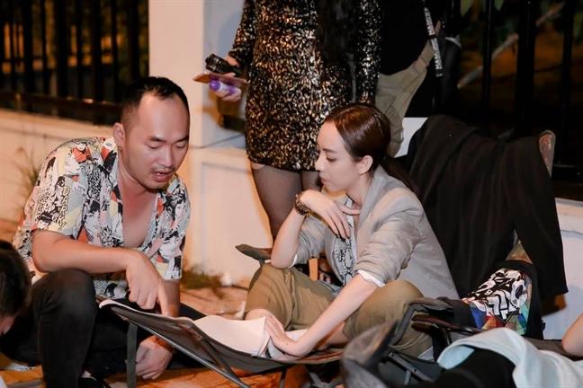Thu Trang dua con trai vao bep de ket noi yeu thuong