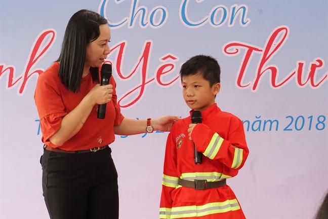 Dung so hai, da co cac co, cac chu o day, cac con khong phai mot minh!