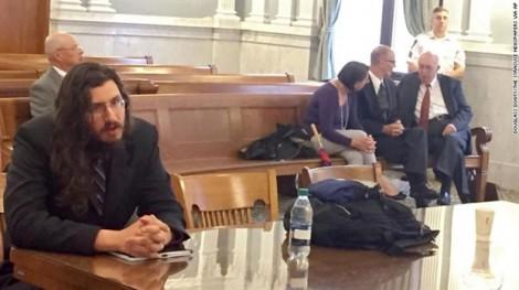 Mỹ: Cậu con trai 'ăn bám' chính thức bị tòa trục xuất khỏi nhà bố mẹ