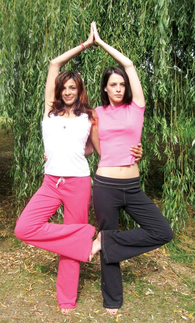 Tap yoga de…  met moi, chan thuong