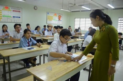 Học sinh TP.HCM bất ngờ vì đề toán bắt tính nhiệt độ của dế khi kêu