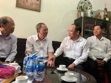 Lãnh đạo TP.HCM thăm các cụ cao tuổi tiêu biểu