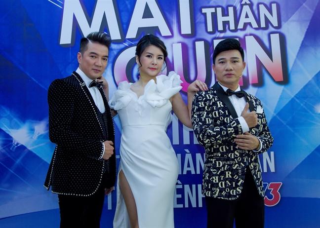 Dam Vinh Hung: 'Toi khong dat ap luc thay the anh Hoai Linh'