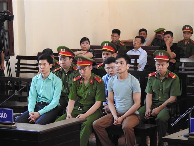 Nhung dem trang cho ngay tuyen an cua bac si Hoang Cong Luong