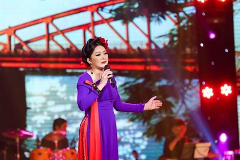 Ca sĩ Như Quỳnh: 'Tôi vẫn còn khờ khạo lắm'