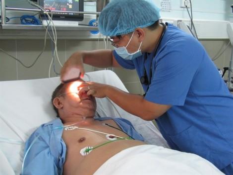 Ngay trong đêm, bác sĩ cứu kịp thời bệnh nhân bị cục máu đông gây tắc phổi