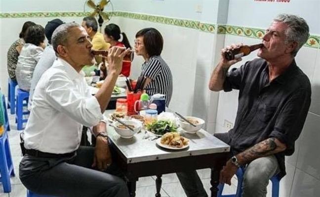 Dau bep lung danh an bun cha voi Tong thong Obama dot ngot qua doi