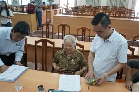 Dân Thủ Thiêm mời trầu Trưởng ban tiếp công dân Trung ương, đặt niềm tin vào quyết định đúng đắn