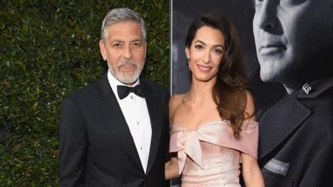 Tài tử George Clooney được bà xã hôn say đắm khi nhận giải 'Thành tựu trọn đời'