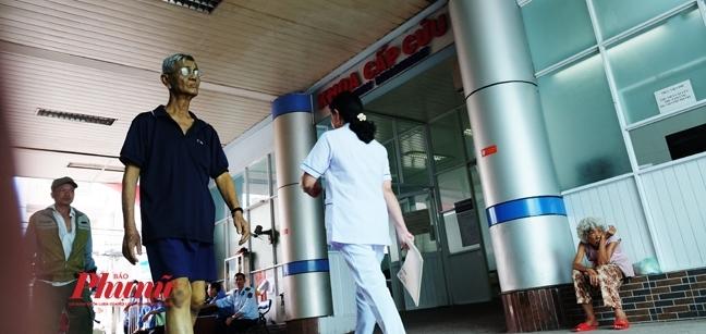 TP.HCM doi dien nguy co mat hon 171 ty mua may moc cho benh vien: Loi tai ai?
