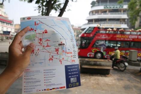 Xe buýt du lịch 2 tầng tại Hà Nội: khách nước ngoài hào hứng, khách Việt thờ ơ