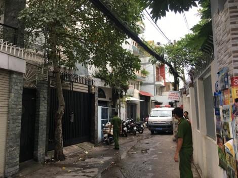 Hai cha con tử vong với nhiều vết thương trong căn nhà gần chợ Tân Bình