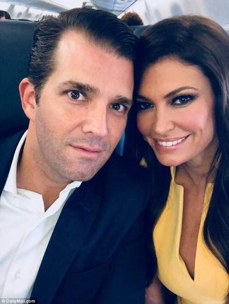 Con trai Donald Trump hẹn hò tình mới sau ly hôn, con gái lọt top mỹ nhân thế giới