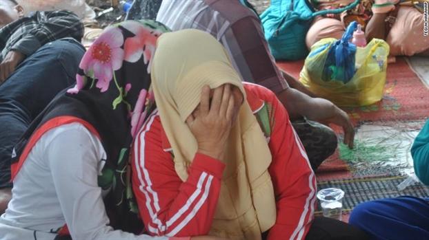 Tham hoa lat pha Indonesia, 192 nguoi mat tich, nguoi than tham thiet ngong trong