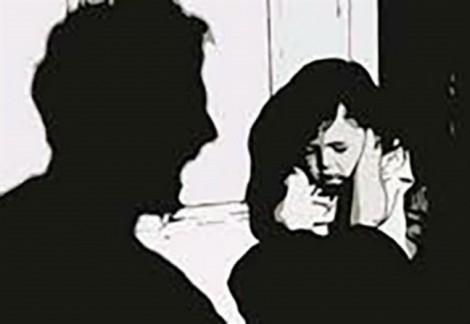 Nam thanh niên hiếp dâm bé gái 8 tuổi rồi xin được bồi thường