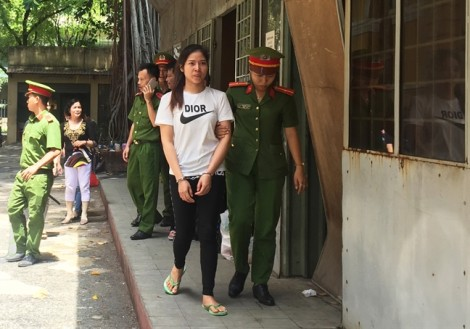 Cô gái trẻ đi tù vì dán nhãn chai thuê cho kẻ chế thuốc bảo vệ thực vật giả